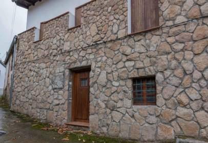 Chalet in calle Serrana, nº 11